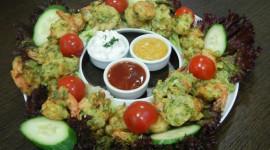 Οι συνταγές των σεφ μας: Γαρίδες τηγανιτές σε κουρκούτι λαχανικών & ντιπ γιαουρτιου!