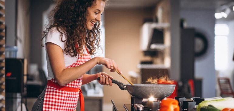 Η μαγειρική μας κάνει πιο χαρούμενους!
